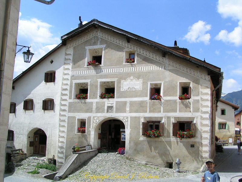 Beautiful family home in Guardia, Switzerland