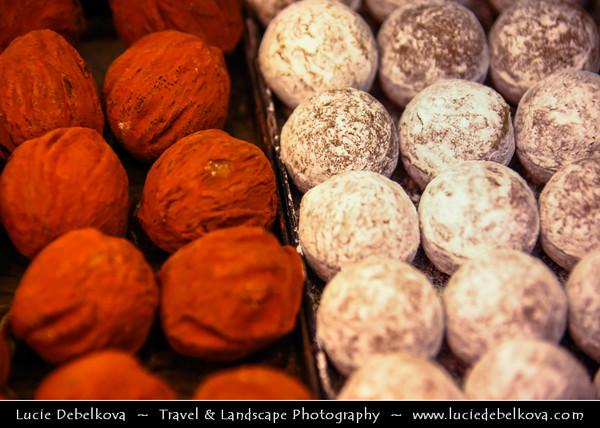 Switzerland - Swiss - Chocolate - Chocolat - Luxury Swiss Chocolates - Famous Delicatesy