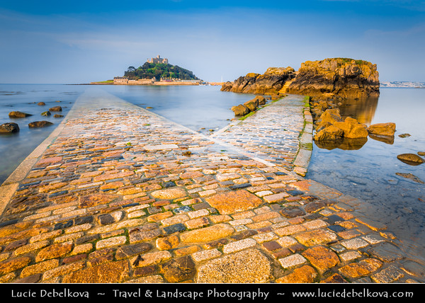 Europe - UK - England - Cornwall - St Michael's Mount - Karrek Loos yn Koos - the Mount - Tidal island 366 metres (400 yards) off the Mount's Bay united with the town of Marazion by a man-made causeway of granite setts, passable between mid-tide and low water