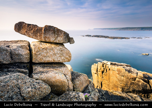 Europe - UK - England - Cornwall - Sennen Cove, Porthsenen - Coastal area next to Land's End - Mainland Britain's most westerly point and one of the country's most famous landmarks, with 200 foot high granite cliffs that rise out of the Atlantic Ocean