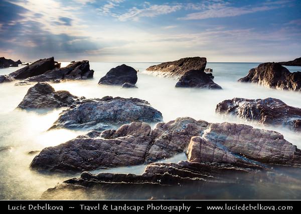 Europe - UK - England - Devon - North Devon Heritage Coast - Ilfracombe - Historical harbour in spectacular coastal location surrounded by rugged cliffs on majestic Atlantic coast