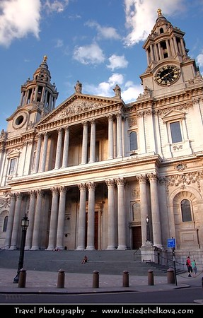 UK - England - London - St Paul's Cathedral - Anglican cathedral dedicated to Paul the Apostle - Located at the top of Ludgate Hill, the highest point in the City of London