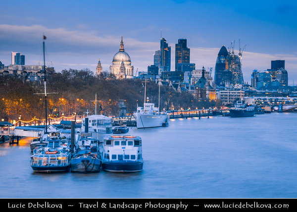 UK - England - London - City Skyline with St Paul's Cathedral - Anglican cathedral dedicated to Paul the Apostle - Located at the top of Ludgate Hill, the highest point in the City of London