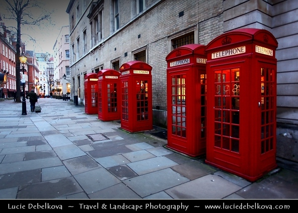 UK - England - London - Covent Garden - Popular tourist location containing cafes, pubs, small shops, and a craft market called the Apple