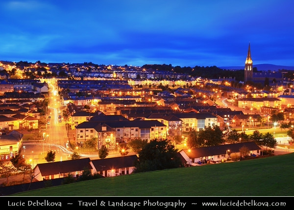 UK - Northern Ireland - County Derry - Londonderry - Old walled city on the west bank of the River Foyle - St Columb's Cathedral