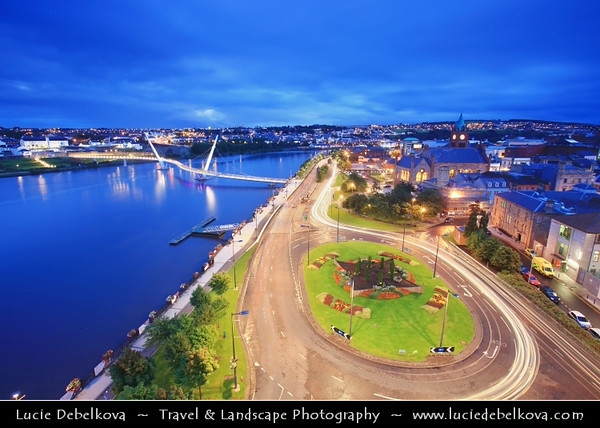 UK - Northern Ireland - County Derry - Londonderry - Old walled city on the west bank of the River Foyle - Peace Bridge