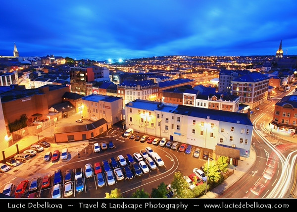 UK - Northern Ireland - County Derry - Londonderry - Old walled city on the west bank of the River Foyle