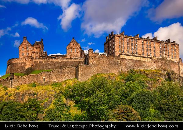 Europe - UK - United Kingdom - Scotland - Edinburgh - Dùn Èideann - Capital city of Scotland & Seat of Scottish Parliament -  Edinburgh Castle - Fortress which dominates the skyline of the city from its position atop the volcanic Castle Rock