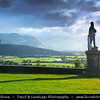 Europe - UK - United Kingdom - Scotland - Stirling Castle atop Castle Hill - One of largest & most important castles Scotland dating from at least early 12th century, present buildings mostly built between 1490 and 1600 - Statue of Robert the Bruce on the castle esplanade
