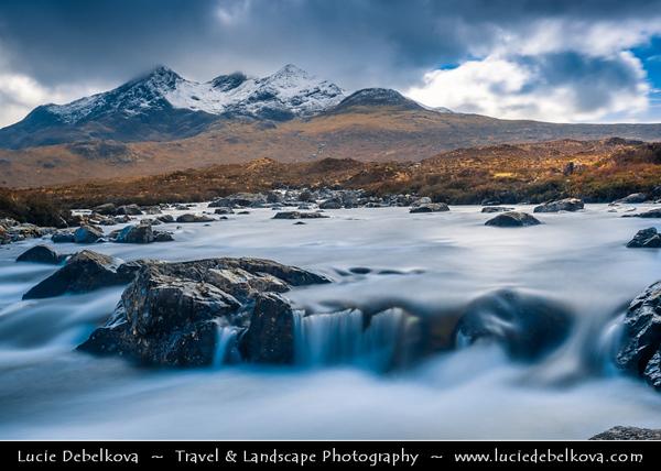 Europe - UK - United Kingdom - Scotland - Inner Hebrides - Isle of Skye - Glen Sligachan - Sligeachan - Skye crossroad with great views over Cuillin mountains