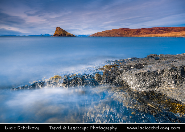 UK - Scotland - Isle of Skye - Shores of Duntulm with view of Outer Hebrides - Most northerly point of the Trotternish peninsula