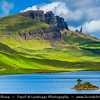 UK - Scotland - Inner Hebrides - Isle of Skye - The Storr & Old Man of Storr - Spectacular view to a famous summit, passing through an iconic landscape