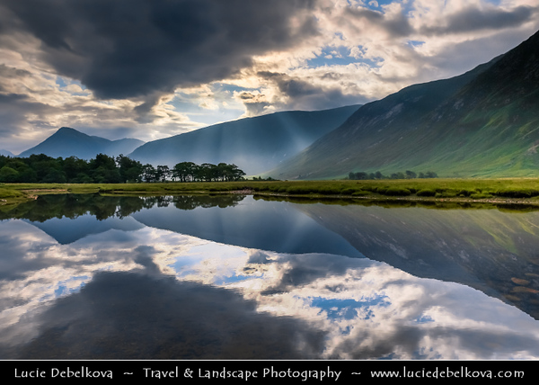 Europe - UK - United Kingdom - Scotland - Western Scottish Highlands - Glen Etive - Gleann Eite - 30 km sea loch in Argyll and Bute - Rugged and dramatic landscape under dreamy light