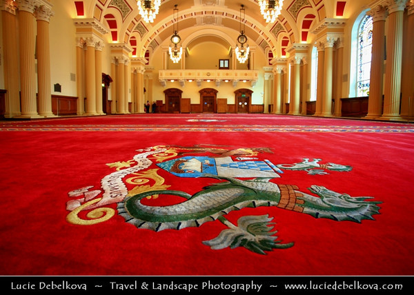 Europe - UK - Northern Ireland - Belfast - Béal Feirste - Capital of NI along river Lagan - Abhainn an Lagáin - City centre & central business district - Belfast City Hall on Donegall Square - Gem of Victorian architecture