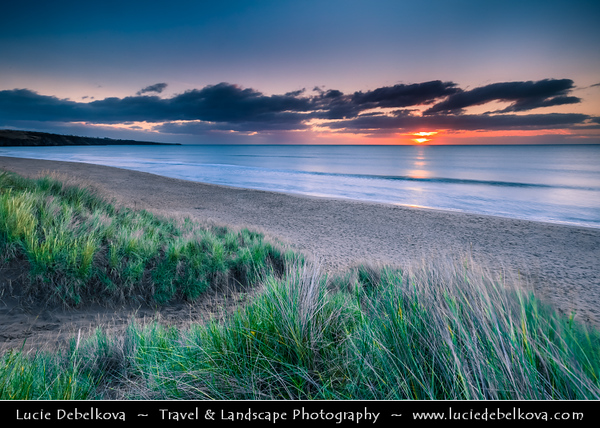 Europe - UK - United Kingdom - Scotland - Eastern Scottish coast - Lunan bay - Stunning east-facing beach backed by sand dunes and framed by low cliffs
