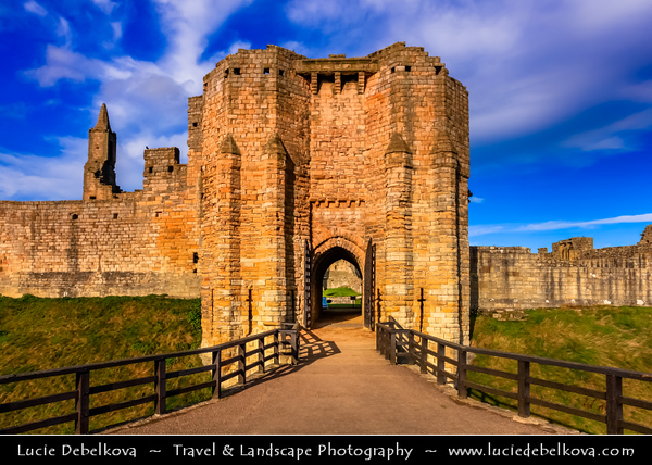 Europe - UK - United Kingdom - England - Northumberland - Warkworth - Warkworth Castle - Cuined medieval Castle built on loop of River Coquet