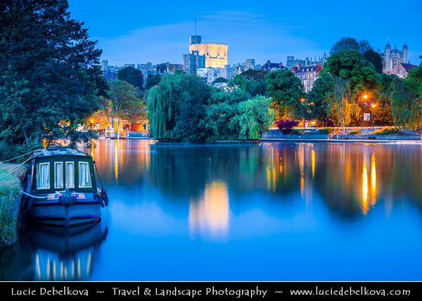 Europe - UK - England - Berkshire County - Windsor Castle - The oldest and largest inhabited castle in the world and The Queen's favourite weekend home