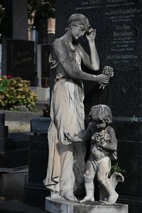 Gravestone in Hernalser Friedhof (Hernals Cemetery)