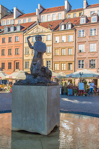 Mermaid statue, guardian and symbol of Warsaw