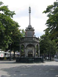street_fountain