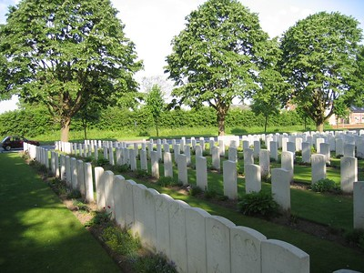 Essex_Farm_Military_Cemetery_10