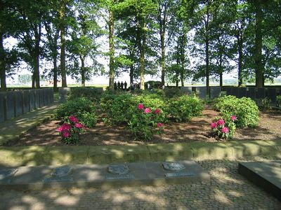 Langemark_German_Military_Cemetery_08