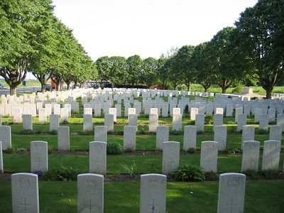 Essex_Farm_Military_Cemetery_12