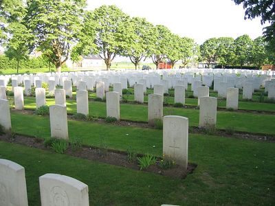Essex_Farm_Military_Cemetery_09