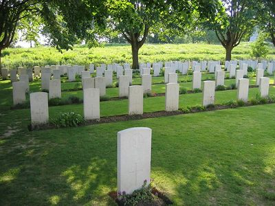 Essex_Farm_Military_Cemetery_03