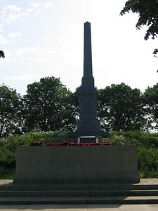Essex_Farm_Military_Cemetery_04