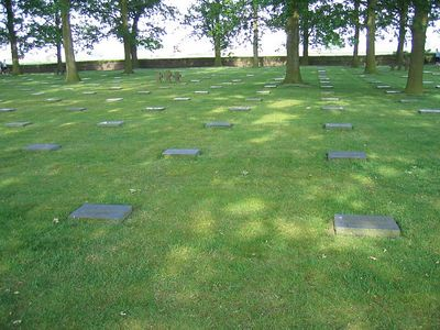 Langemark_German_Military_Cemetery_07