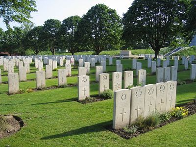 Essex_Farm_Military_Cemetery_13