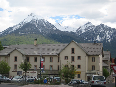 mountains_house