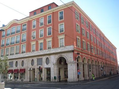 plaza_buildings_1