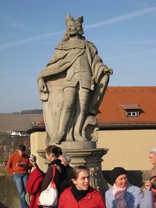 statue_1