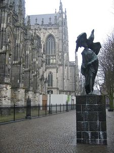 church_statue