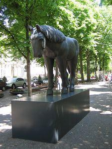 horse_statue
