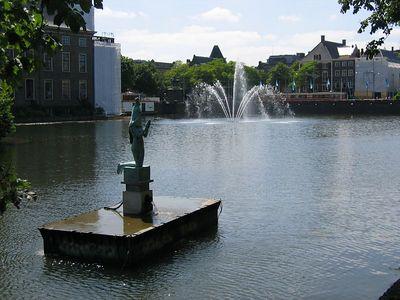 statue_fountain