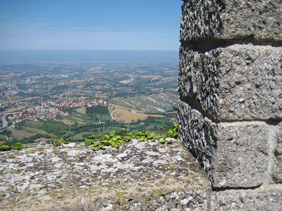 castle_walls_3