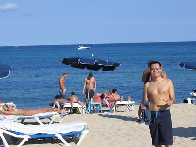Larry_on_Beach