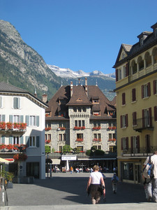 mountains_buildings