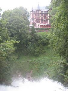 hotel_waterfalls