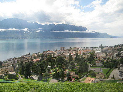 mountains_lake_montreux