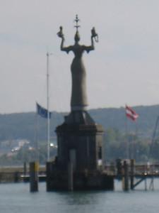 harbour_statue