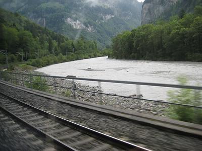 traintracks_river