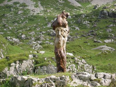 wood_statue