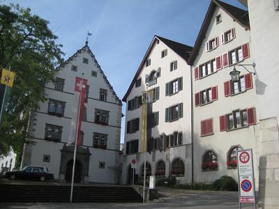 three_buildings