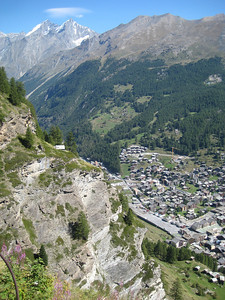 mountains_ciffs_village