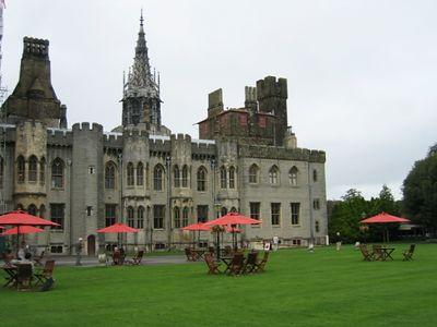 Cardiff_Castle_3