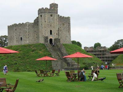 Cardiff_Castle_5